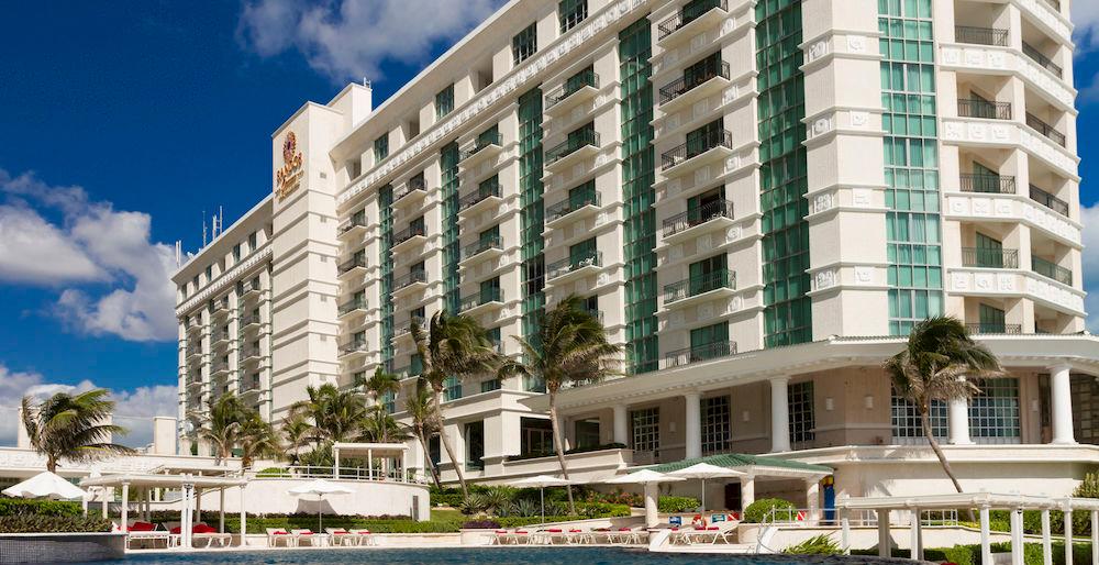 Sandos-Cancun-Luxury-Resort-cover